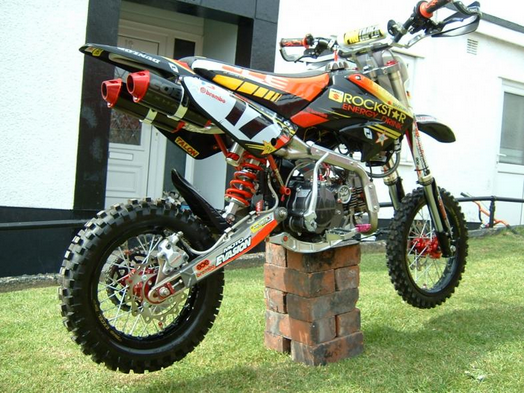 dirt bike facts and information types of bikes home. Black Bedroom Furniture Sets. Home Design Ideas